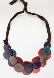 scattered steps necklace