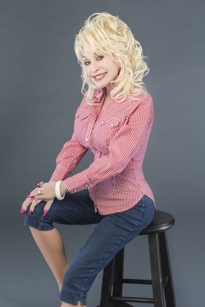 dolly seated